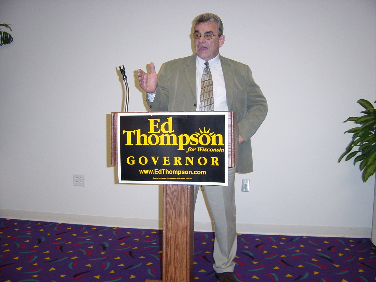 Ed Thompson campaigning for Wisconsin Governor.